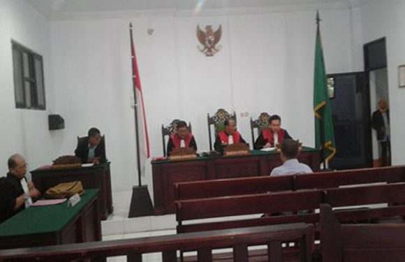"""Katai Orang """"Lonte""""Sulkifli Madjid Lawe Dituntut Satu Tahun Penjara"""