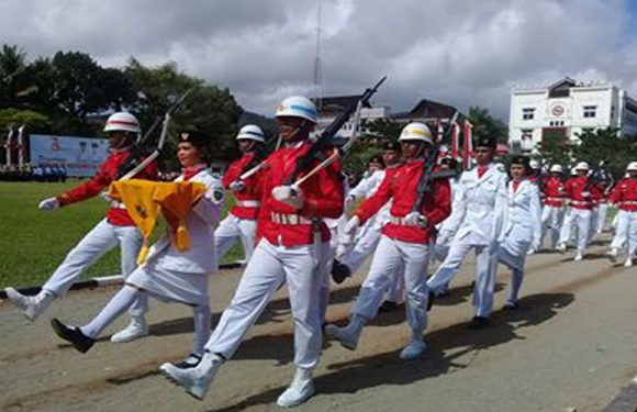 Bangga,! Pembawa Baki Bendera Merah Putih Dari Bumi Kalwedo