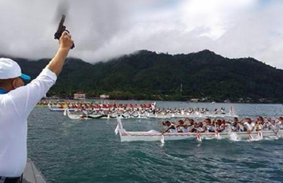 Perahu Manggurube Ambon Extravaganza Dijuarai Latuhalat