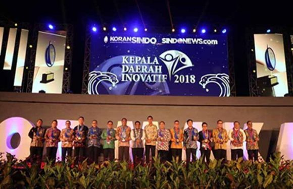 Koran SINDO Anugerahi Walikota Ambon KDI 2018