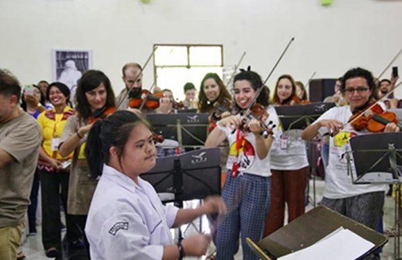 Deductive Concert OCAS Spain Bagi Mahasiswa & Siswa SLB