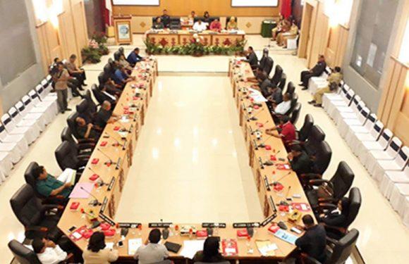 DPRD Tetapkan Perubahan APBD Kota Ambon 2018