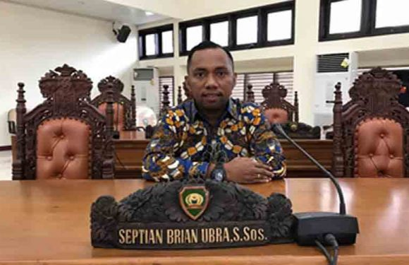 Dilarang Ikuti Pelantikan, Anggota DPRD Malra Kecewa