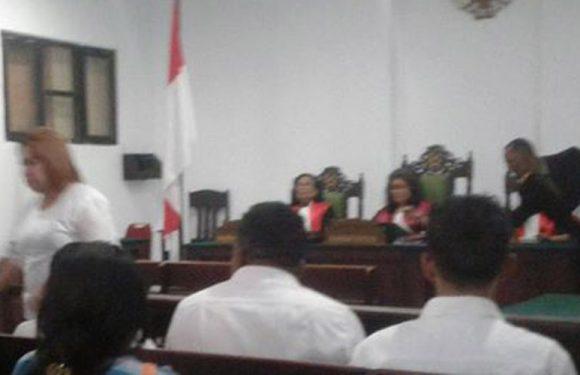 """Gelapkan """"Duit"""" BRI Kota Ambon,  Ibu As Dituntut 5 Tahun Penjara"""