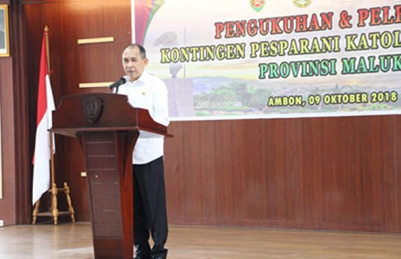 Gubernur Kukuhkan & Lepas Kontingen Pesparani Maluku