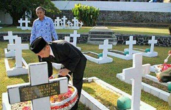 Ziarah & Tabur Bunga, Warna Hari Pahlawan di Maluku