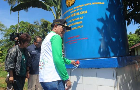 Latuhalat & Soya Dapat Bantuan Sumur Bor Dari Pempus