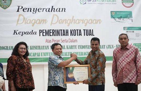 Capai UHC, Pemkot Tual Raih Penghargaan