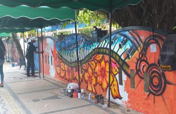 Pemprov Maluku Apresiasi Ekshibisi Mural di SMAKRIS