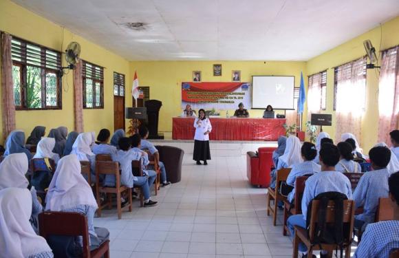 Peduli Generasi Muda, Satgas TMMD Sosialisasi Narkoba di Namrole