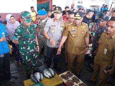 Gubernur, Kapolda, Pangdam Tinjau Pelabuhan & Pasar Mardika