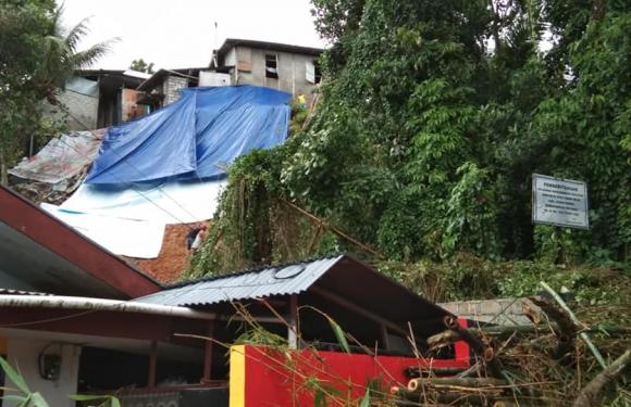 Hujan Guyur Ambon, Longsor & Pohon Tumbang di 13 Titik