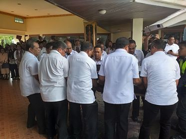 Isak Tangis Sambut Jenazah Ibu Iffah Syarif di Bandara & Kediaman