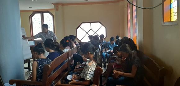 PKAR Jemaat Syaloom, Diisi Pelatihan Jurnalistik & Prakarya