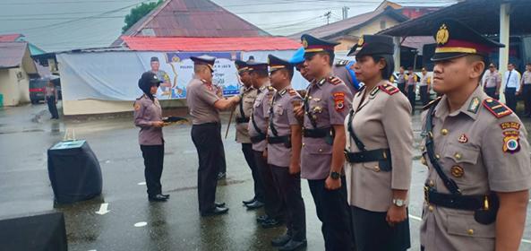 Jabatan Kasbin & Tiga Kapolsek Polres P.Ambon Diserahterimahkan