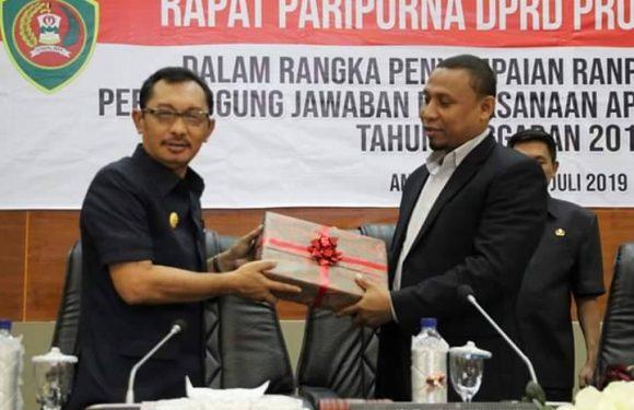 Pemprov Serahkan LPJ TA 2018 ke DPRD Maluku