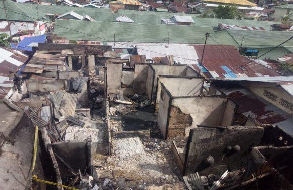 """Kebakaran di Batumerah Dalam """"Makan"""" Nenek & Cucu"""