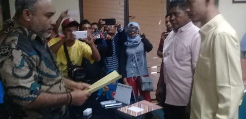 Tinggapy Lanjutkan Palu Ketua DPRD Buru