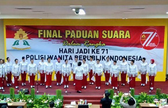 Polwan Polda Maluku Juara Nasional Lomba Paduan Suara
