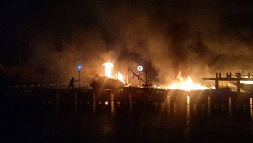 Empat Kapal di Pelabuhan Tulehu Hangus Terbakar