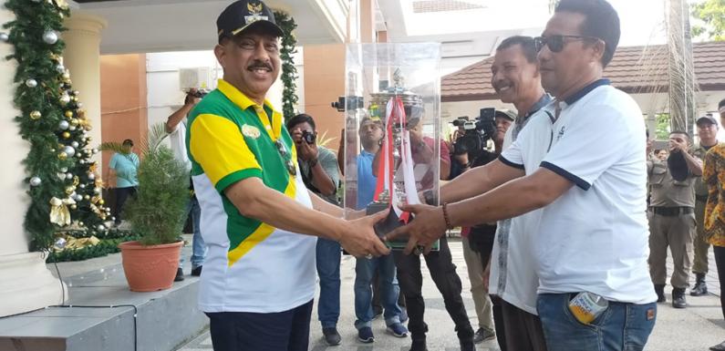 Piala Juara Umum Duta Qasidah Bermalam di Balaikota Ambon