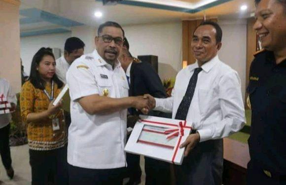 Gubernur Serahkan DIPA Maluku 2020